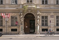 Wien Palais Caprara-Geymüller Atlanten.JPG