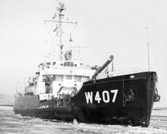 USCGC Woodrush (WLB-407) - Image: Woodrush breaking ice 1960s USMILNET