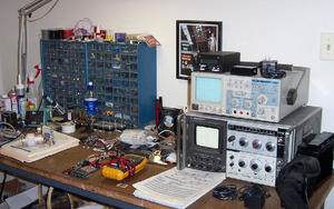 "Amateur radio homebrew - Workbench of ""homebrew"" enthusiast K6ESE"
