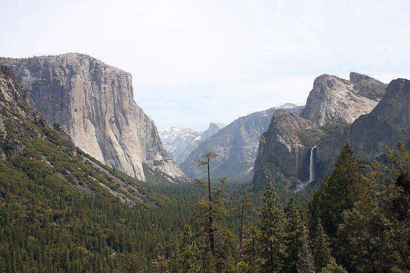 800px-yosemite_valley_-_yosemite_national_park_ca