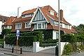 """""""Cemana"""", gekoppelde villa in cottagestijl, Kustlaan 154, 't Zoute (Knokke-Heist).JPG"""