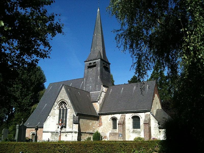 Église Sainte-Marie-Madeleine d'Englos et son cimetière, vus par le sud.