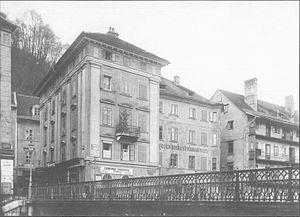 Hradecky Bridge - Image: Čevljarski most in stavba Jugoslovanske strokovne zveze 1925