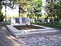 Братська могила 2 світової війни похованно 233 людини.jpg
