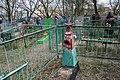 Кладбище села Солдатское на Пасху 2014 27.JPG