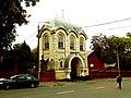 Надбрамна церква. Вхід на Байкове кладовище у Києві.JPG