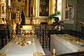 СПб. собор Петропавловский, могилы Петра I и Екатерины I.JPG