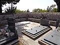 Свјетлопис дијела гробља у порти сербског православног храма Св. Пантелејмона у Клинцима на Луштици.jpg