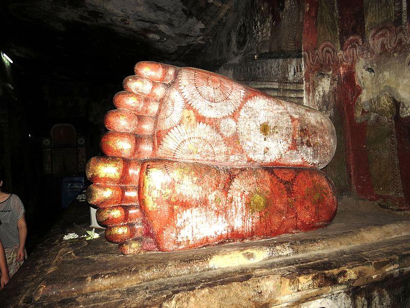 File:Ступни лежащего Будды - panoramio.jpg