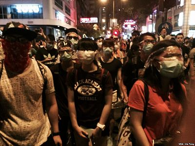 香港示威者與警方對峙持續 (2).jpg