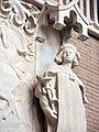 121 Hospital de Sant Pau, edifici d'Administració, sala d'actes, macer vora el relleu de Sant Jordi.JPG