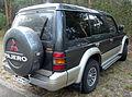 1991-1993 Mitsubishi Pajero (NH) V6 3000 wagon 04.jpg