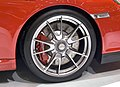 2009 997 GT3 19-inch wheel with central locking device.jpg