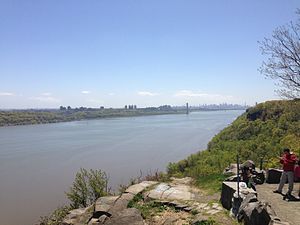 Englewood Cliffs, New Jersey - View of the George Washington Bridge and Manhattan from the Roosevelt Overlook on the Palisades Interstate Parkway in Englewood Cliffs