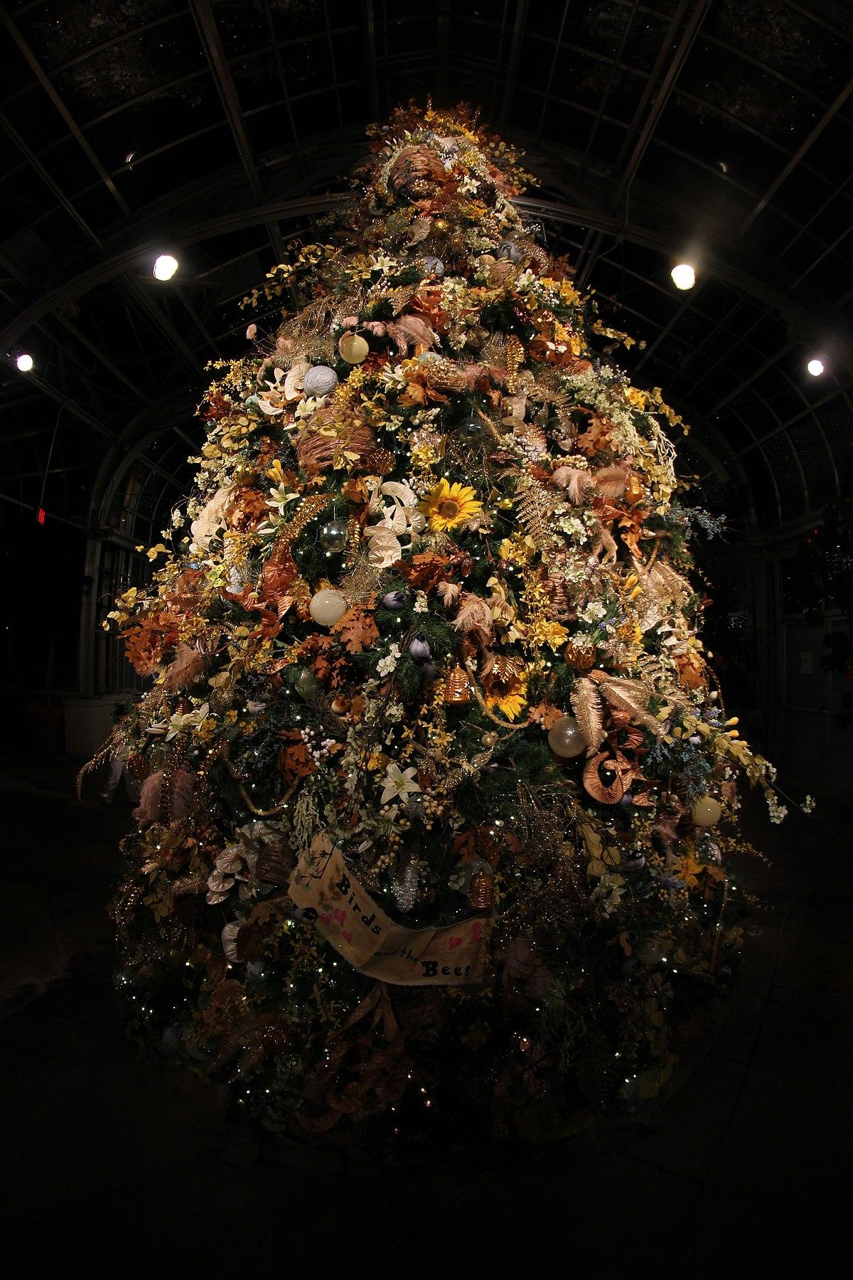 File 2013 Lewis Ginter Botanical Garden Dominion Gardenfest Of Lights 11701049775 Jpg Wikimedia Commons