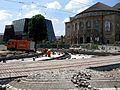 2016-06-10, Gleisbau auf der Freiburger Bertoldstraße und dem Platz der Alten Synagoge, dahinter das Theater un.jpg