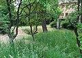 20180524100DR Tronitz (Dohna) Dorfbach+Weltkriegsdenkmal.jpg