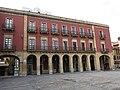 201 Plaza Mayor (Gijón), porxos de la banda oest.jpg