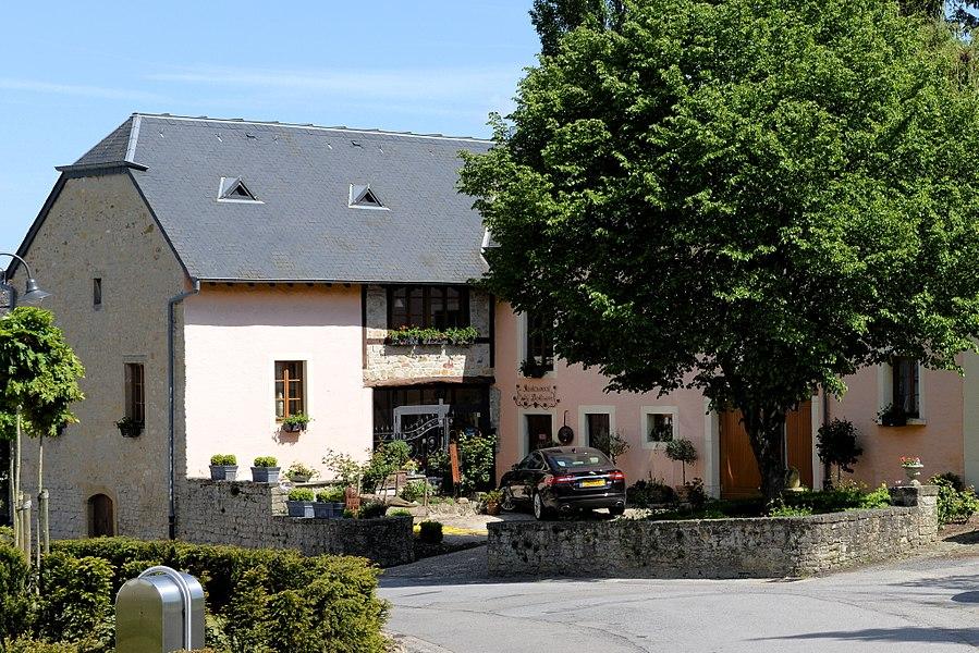 Restaurant Wéi Doheem, 27, Kiirchestrooss zu Biwer.