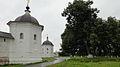 2 башни монастыря.jpg