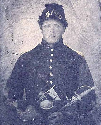 Model 1840 army noncommissioned officers' sword - Union soldier armed with NCO sword, Bowie knife and revolver
