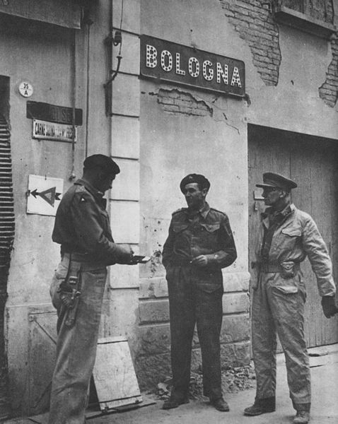 6 SA Armoured Division command staff in Bologna, Maj-Gen Poole, Brig. Furstenburg, Maj-Gen Theron.