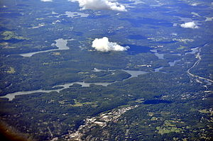 Muscoot Reservoir - Muscoot Reservoir cuts across this 2013 aerial photograph from lower left to center and upper right. At center left is Amawalk Reservoir (which drains into Muscoot Reservoir) at upper right is Lake Mahopac. Mount Kisco, New York is at bottom center and near center right are Katonah, New York and Interstate 684.