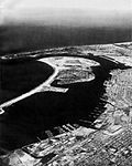 Aerial view of North Island (California) in 1968.jpg