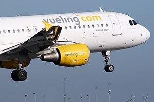 Airbus A320-214 Vueling Airlines EC-JTQ.jpg