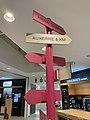 Aire de Venoy-Grosse Pierre - panneau indicateur.jpg