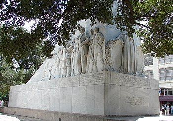 English: Memorial (cenotaph) at The Alamo in S...