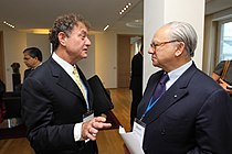 Alan Hassenfeld, Chairman, Hasbro, in discussion with Hubert Burda, Chairman, Hubert Burda Media, at the Horasis Global India Business Meeting 2009 - Flickr - Horasis.jpg