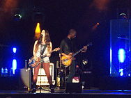 Alanis Morissette - 'Livet at sunset' 2012-07-16 21-24-21.jpg