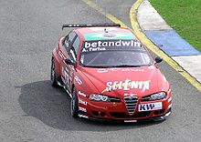 Photo d'une Alfa Romeo 156 S2000 en course.