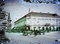Almási út (Ulica Dimitrija Tucovića), jobbra a Ferenc József tér (Trg kralja Petra I), távolabb a Mária Mennybemenetele templom. Fortepan 86586.jpg