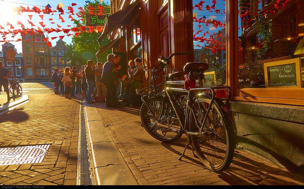 Les belles journées ensoleillées d'été à Amsterdam - Photo de  Moyan Brenn