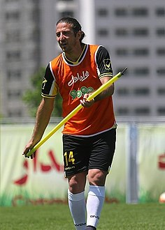 Andranik Teymourian in Iran training.jpg