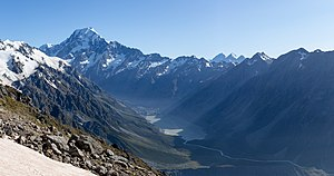Aoraki - Mt Cook, Aoraki - Mount Cook National Park, New Zealand.jpg