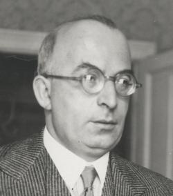 Arnold Zweig (1887–1968) © Max Fenichel (1885–1942) OeNB 20431579 A.png