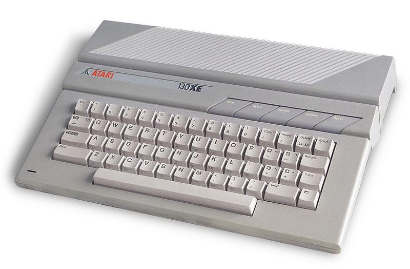 800px-Atari_130xe.jpg