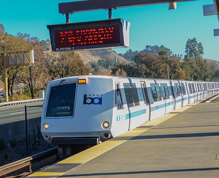 File:BART train at Lafayette station, January 2014.jpg