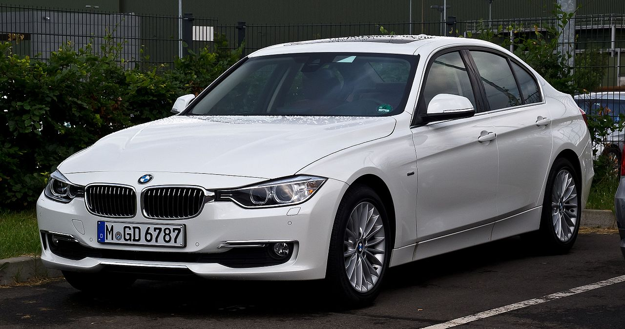 datei bmw 320d luxury line f30 frontansicht 24 juni 2012 d wikipedia. Black Bedroom Furniture Sets. Home Design Ideas