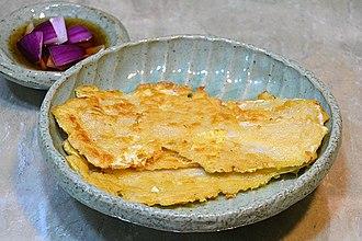 Jeon (food) - Image: Baechu jeon 2