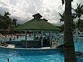 Bar piscina tryp cayo coco.. - panoramio.jpg