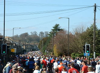 Newbridge, Bath - Runners in the 2006 Bath Half Marathon, on Newbridge Road