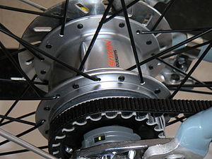 Belt-driven bicycle - Belt-drive internal-geared multi-speed rear hub on a Trek Soho