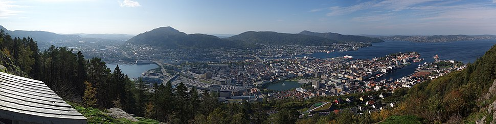 View of the city centre from Mt. Fløyen