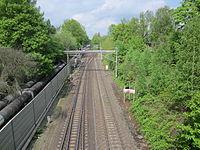 Blick von der Sievekingsallee auf der Grenze zwischen Hamburg-Hamm und Hamburg-Horn auf die Güterumgehungsbahn 1.jpg