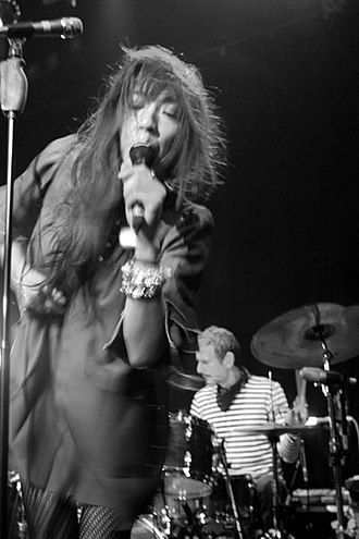 Blonde Redhead - Image: Blonde Redhead live in Cologne, Germany (2007) 06