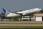 Boeing 737-924ER(w) 'N68817' United Airlines (39813806544).jpg